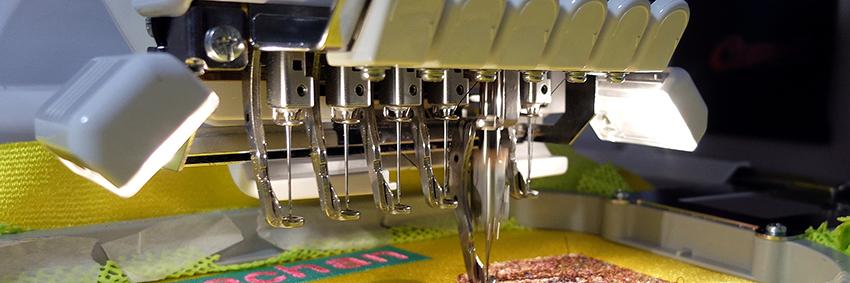 刺繍ミシン