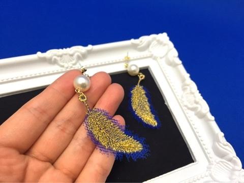 フェザー刺繍アクセサリー