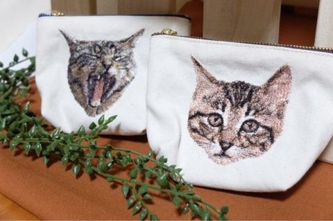 ネコのフォト刺繍ポーチ