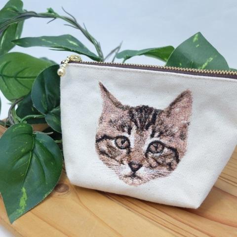 子猫のフォト刺繍ポーチ