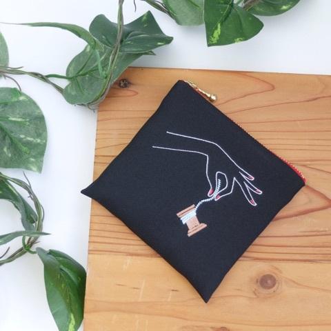 糸巻き刺繍ポーチ