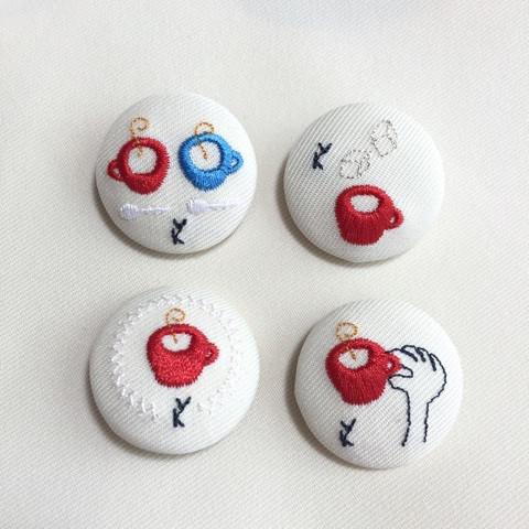 刺繍のくるみボタン缶バッヂ