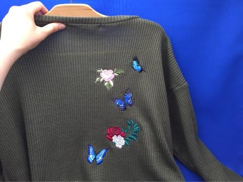 青い蝶の刺繍