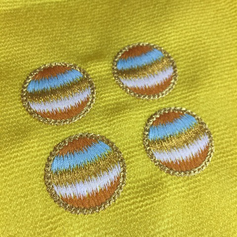 エスニック柄の刺繍
