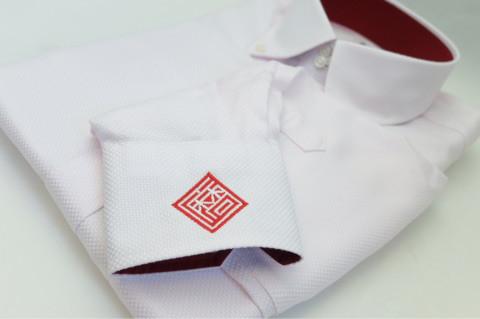 ワイシャツの袖口刺繍