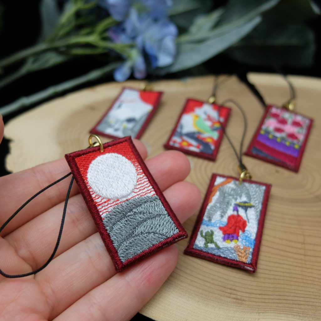 花札の刺繍ストラップ minne