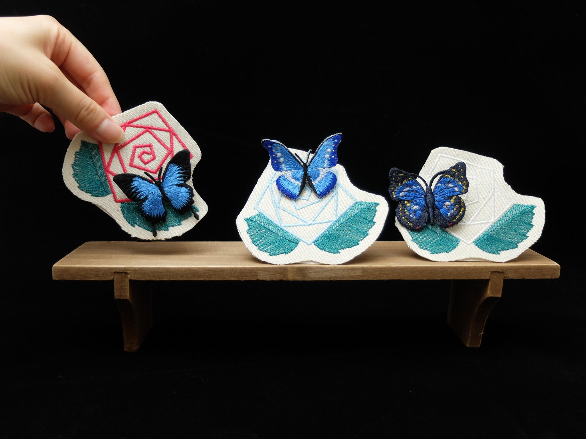 青い蝶 刺繍ブローチ 刺繍アクセサリー オオムラサキ オオルリアゲハ ヘレナモルフォ