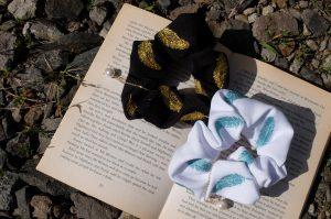 フェザー刺繍 シュシュ 刺繍アクセサリー