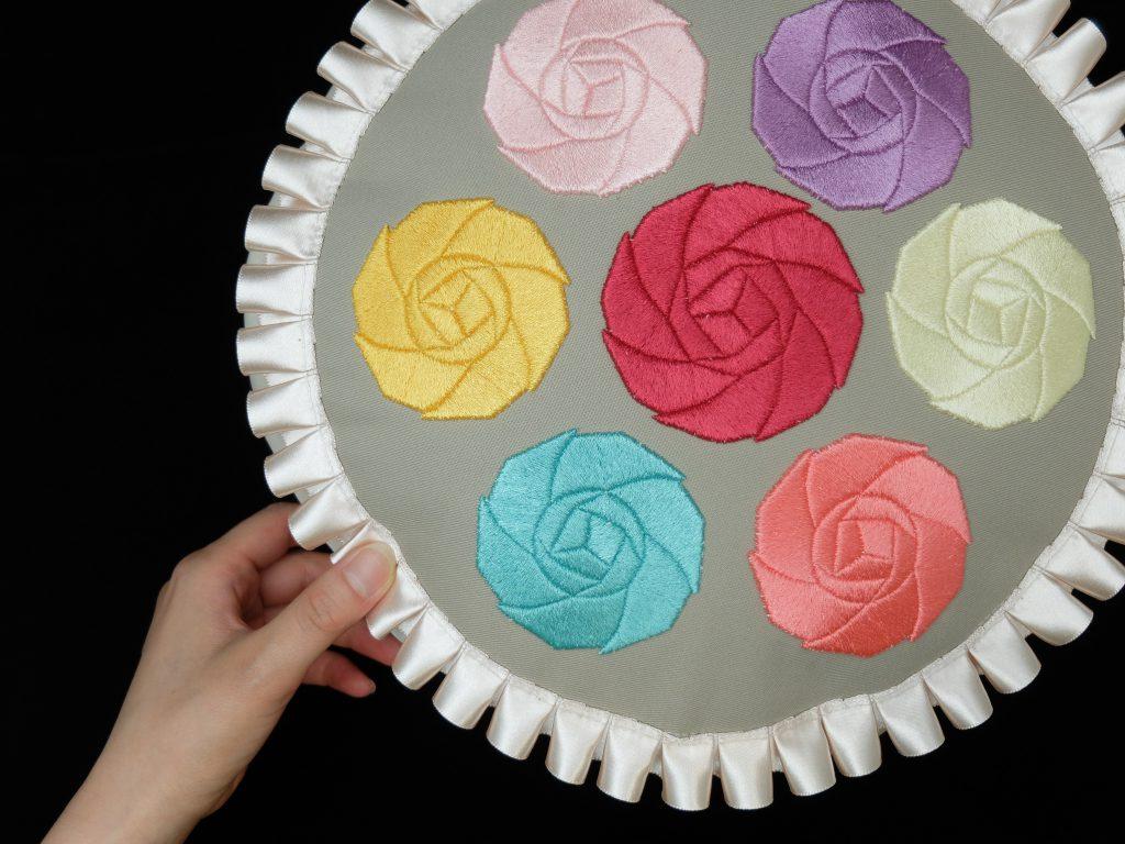 刺繍クッション バラ刺繍 3D刺繍