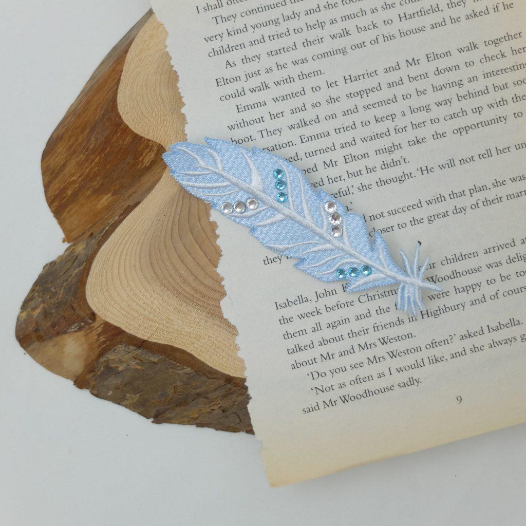 青い羽 青い鳥 刺繍ブローチ