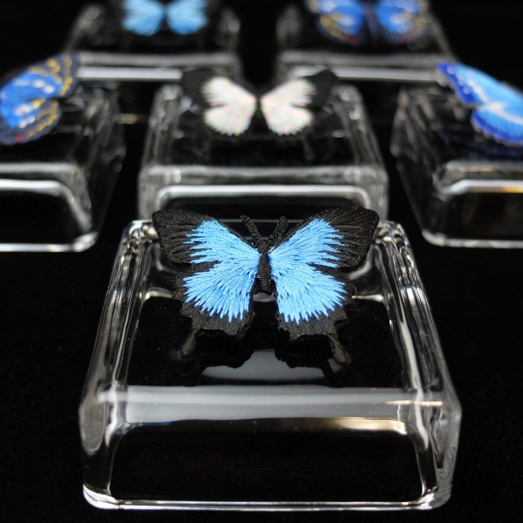 オオルリアゲハ 青い蝶 刺繍ブローチ