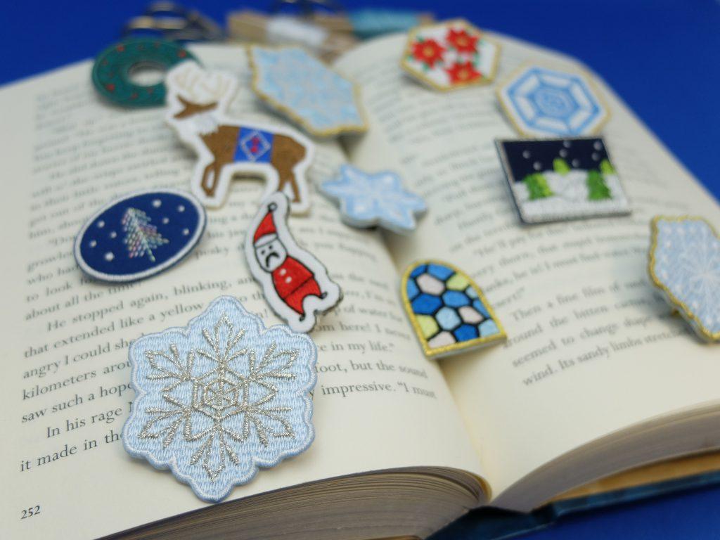刺繍ブローチ クリスマス刺繍 冬のアクセサリー ミシン刺繍 クリスマスマーケット