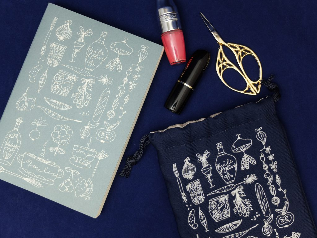 フランス人は10着しか服を持たない エッセイ本 線画イラスト イラスト刺繍 巾着