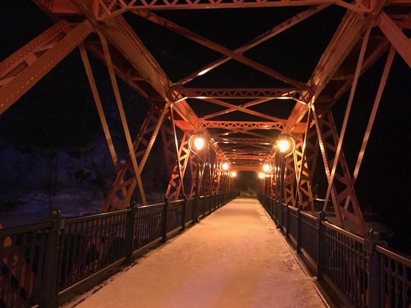 支笏湖 氷濤まつり 山線鉄橋 赤い橋