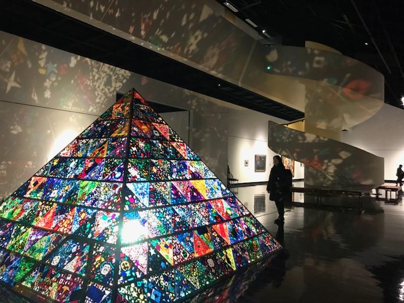 ワンダーミュージアム 道立近代美術館 ステンドグラス