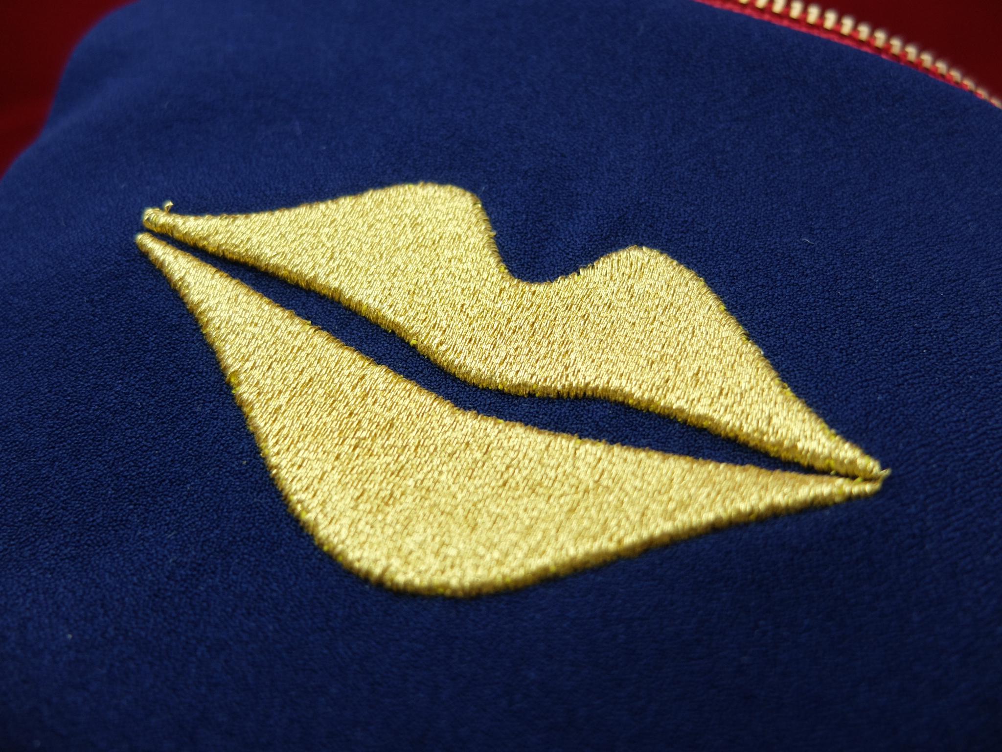 唇マーク キスマーク 刺繍ポーチ 3d刺繍