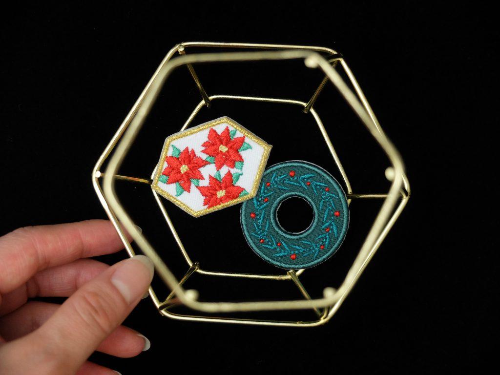 クリスマスリース ポインセチア クリスマス 刺繍ブローチ