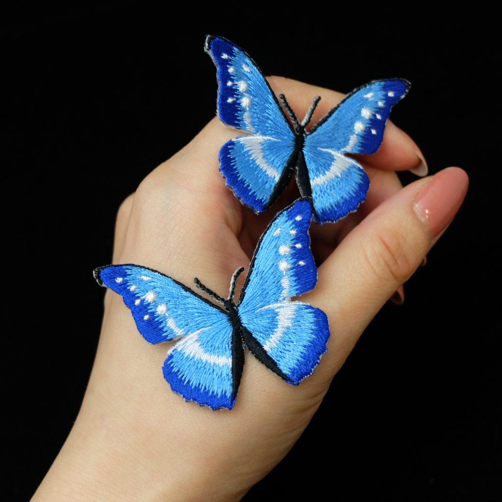 青い蝶 刺繍ブローチ ヘレナモルフォ蝶