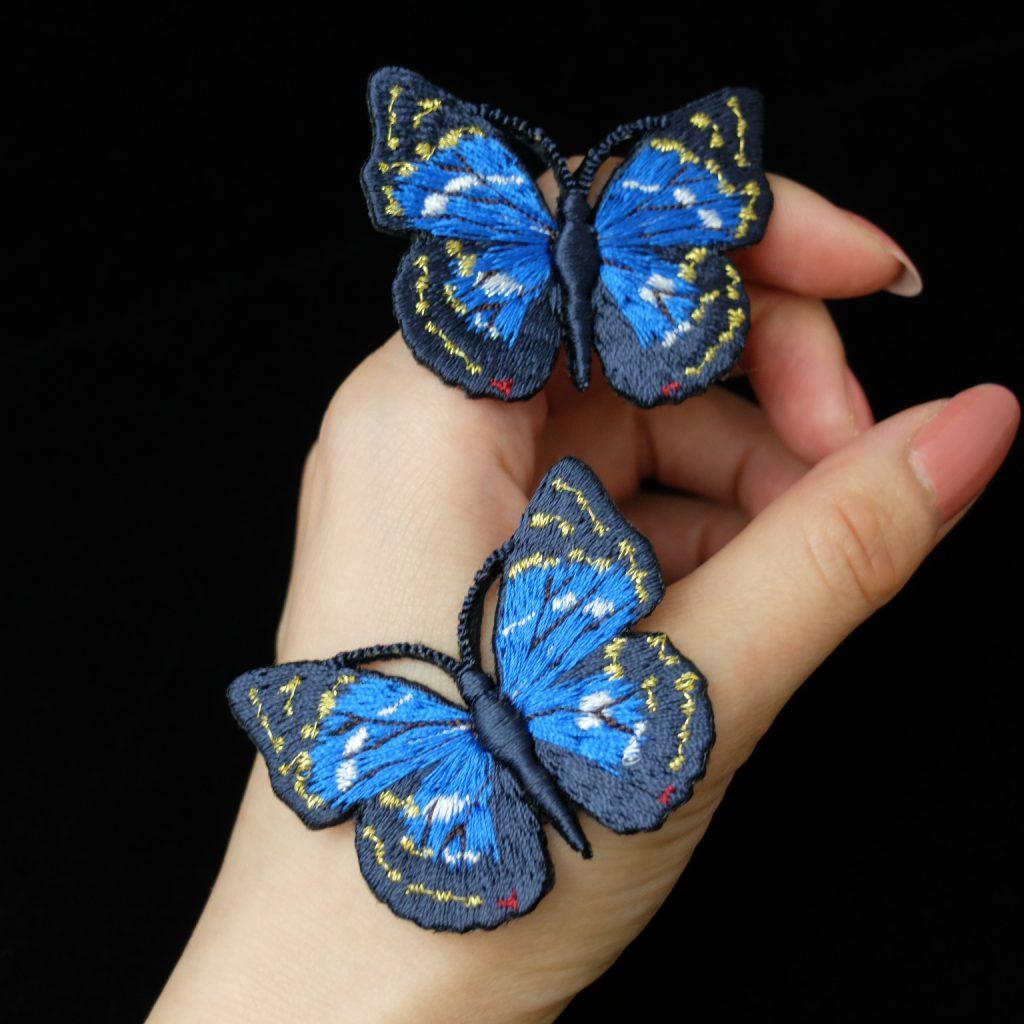 青い蝶 刺繍ブローチ オオムラサキ