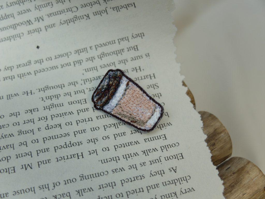 刺繍ブローチ フォト刺繍 コーヒー