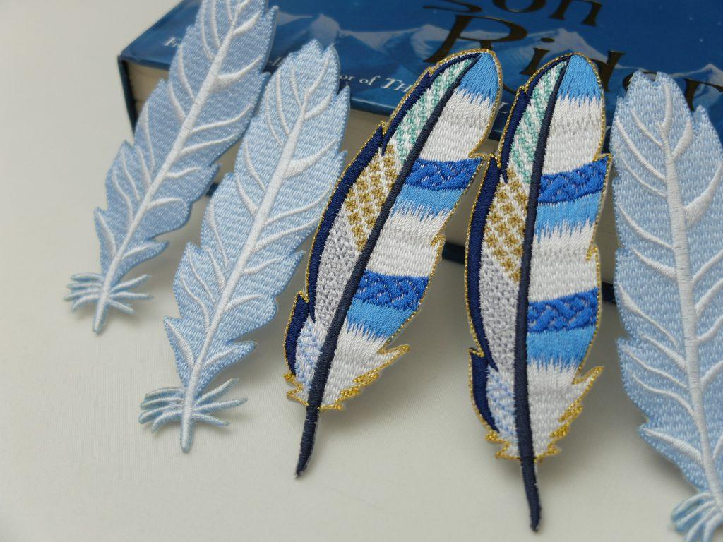 青い羽 刺繍
