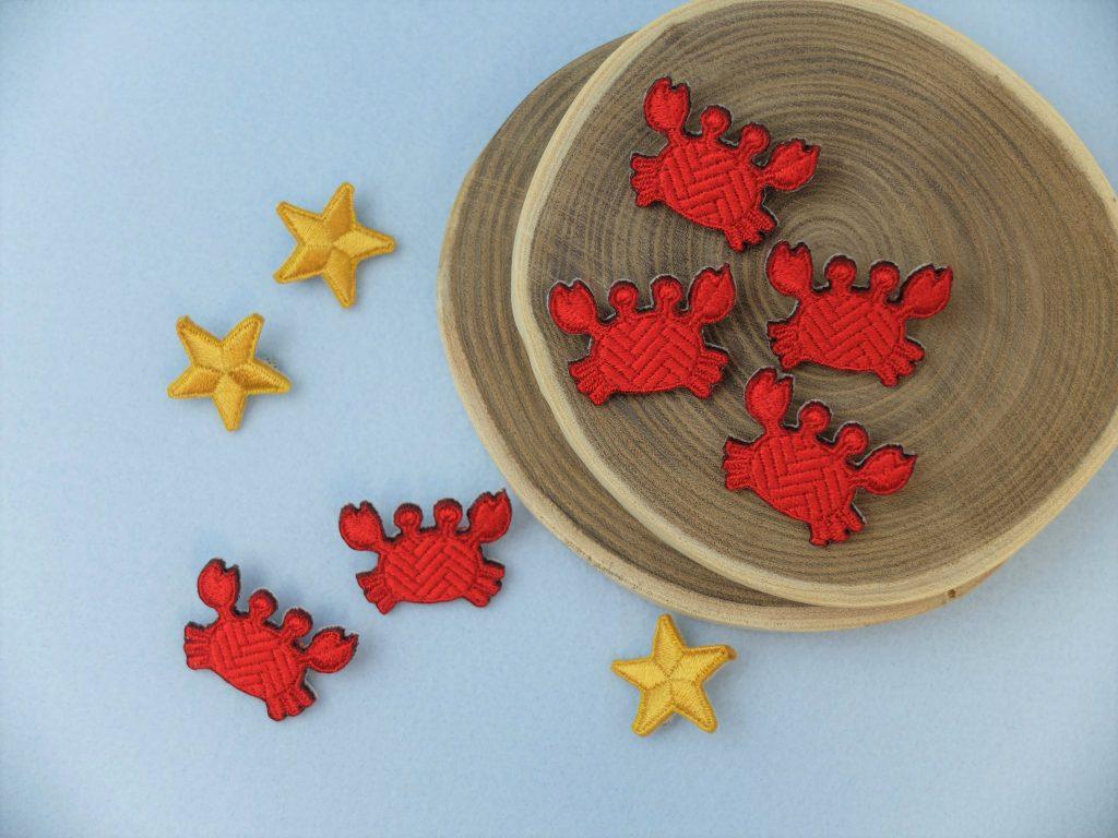 蟹 刺繍 ブローチ